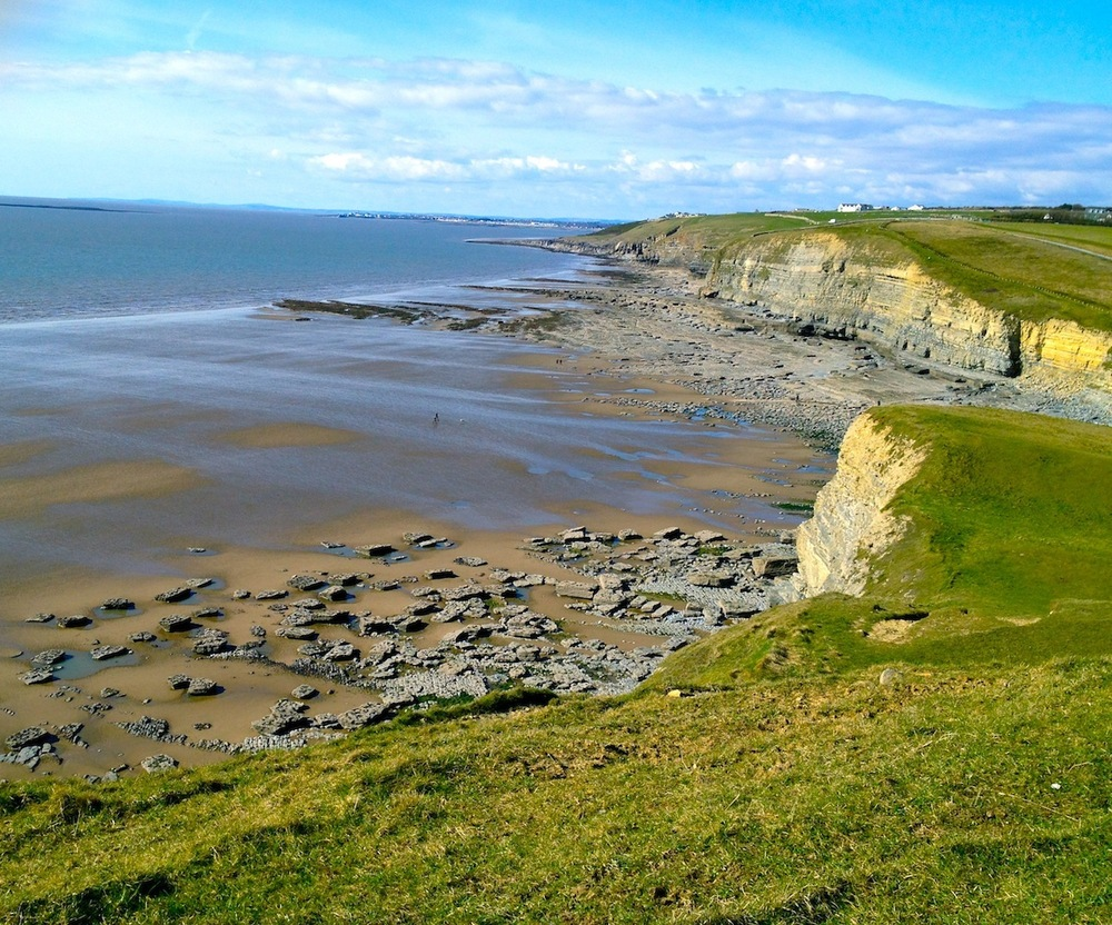 southerndown-dunraven-bay-see-do-beaches-large.jpg