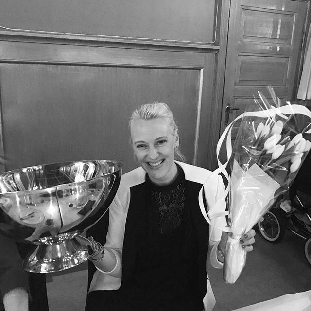 Årets trener 2016! 🏆 Gratulerer med utmerkelsen @trineascott, og vel fortjent! 👏🏻 #åretstrener #nordstrandturn #turn #utmerkelse #rollemodell