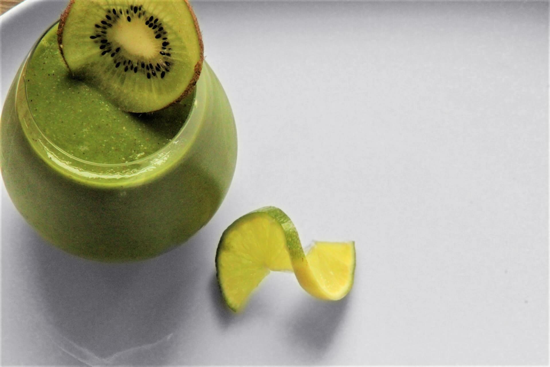 Nutritious, high fibre kiwi smoothie
