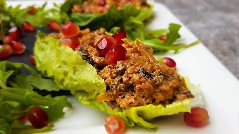Healthy Fajita with Lettuce Leaves