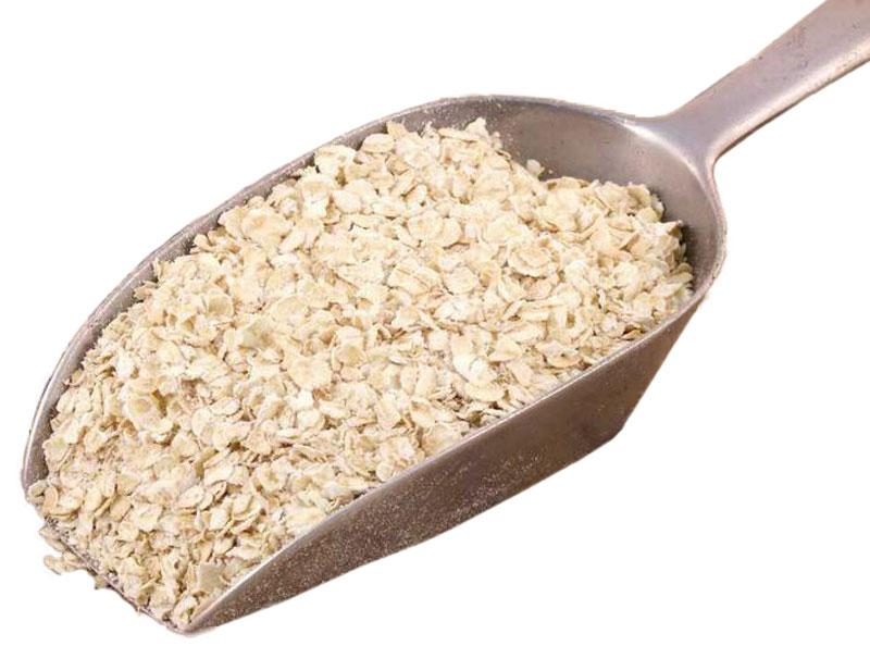 A scoop of low GL porridge oats