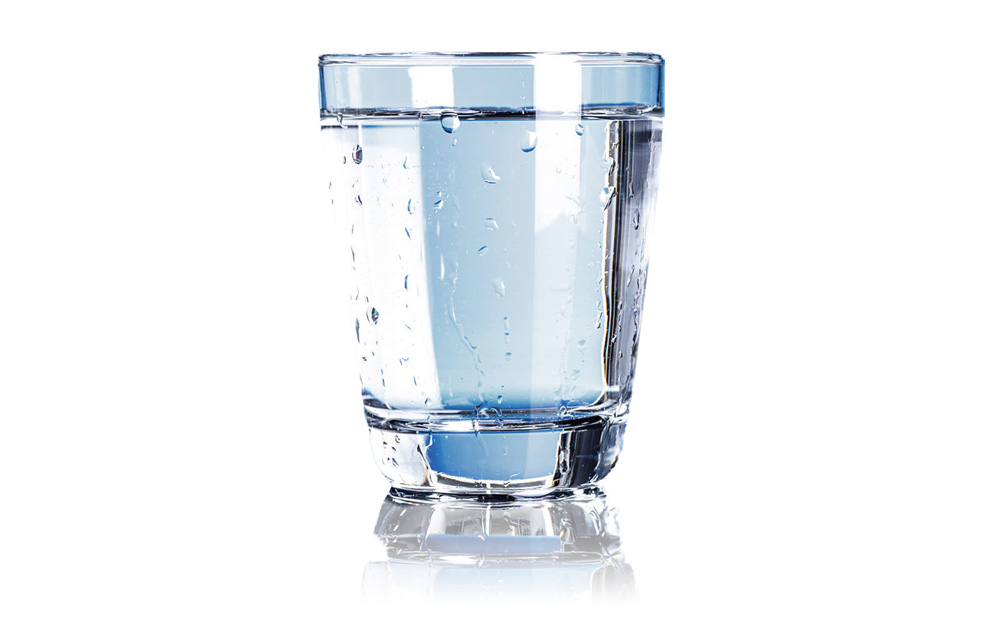 it is important to drink 2 litres of water each day to stay properly hydrated