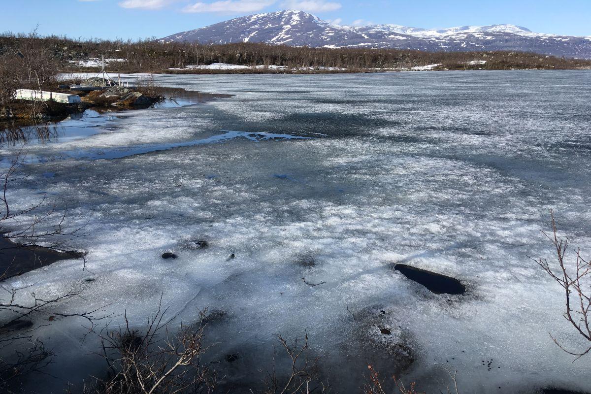 Lake_Almberga_spring_by_Jenny_Ask_on_180515 1200x800px 72dpi.jpg