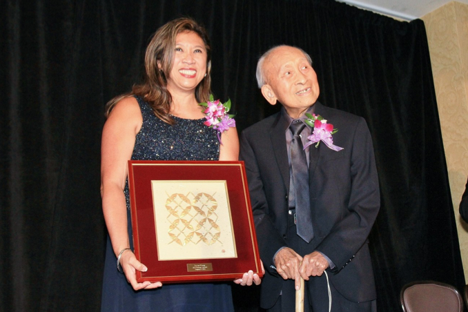 OCA National President Sharon M. Wong (right) and Tyrus Wong (left) at the 2014 OCA National Convention (Photo: O.C. Lee)