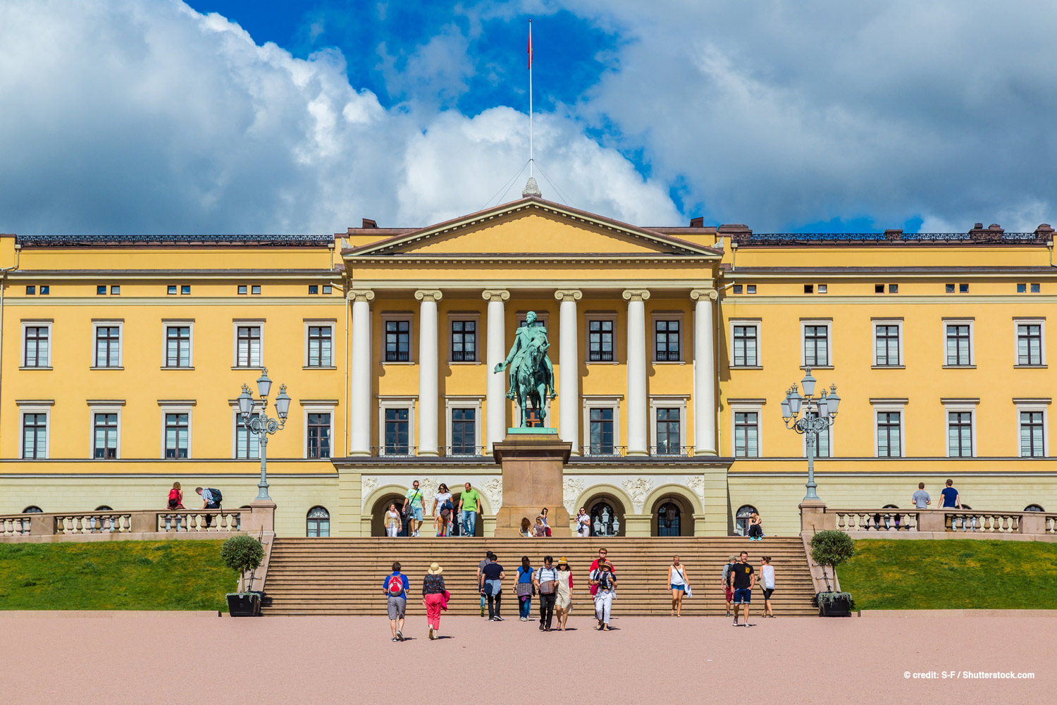 Oslo-Royal-Palace-240826561.jpg