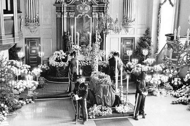 Begravelsen til Dronning Maud i 1938. Fotograf:  Anders Beer Wilse