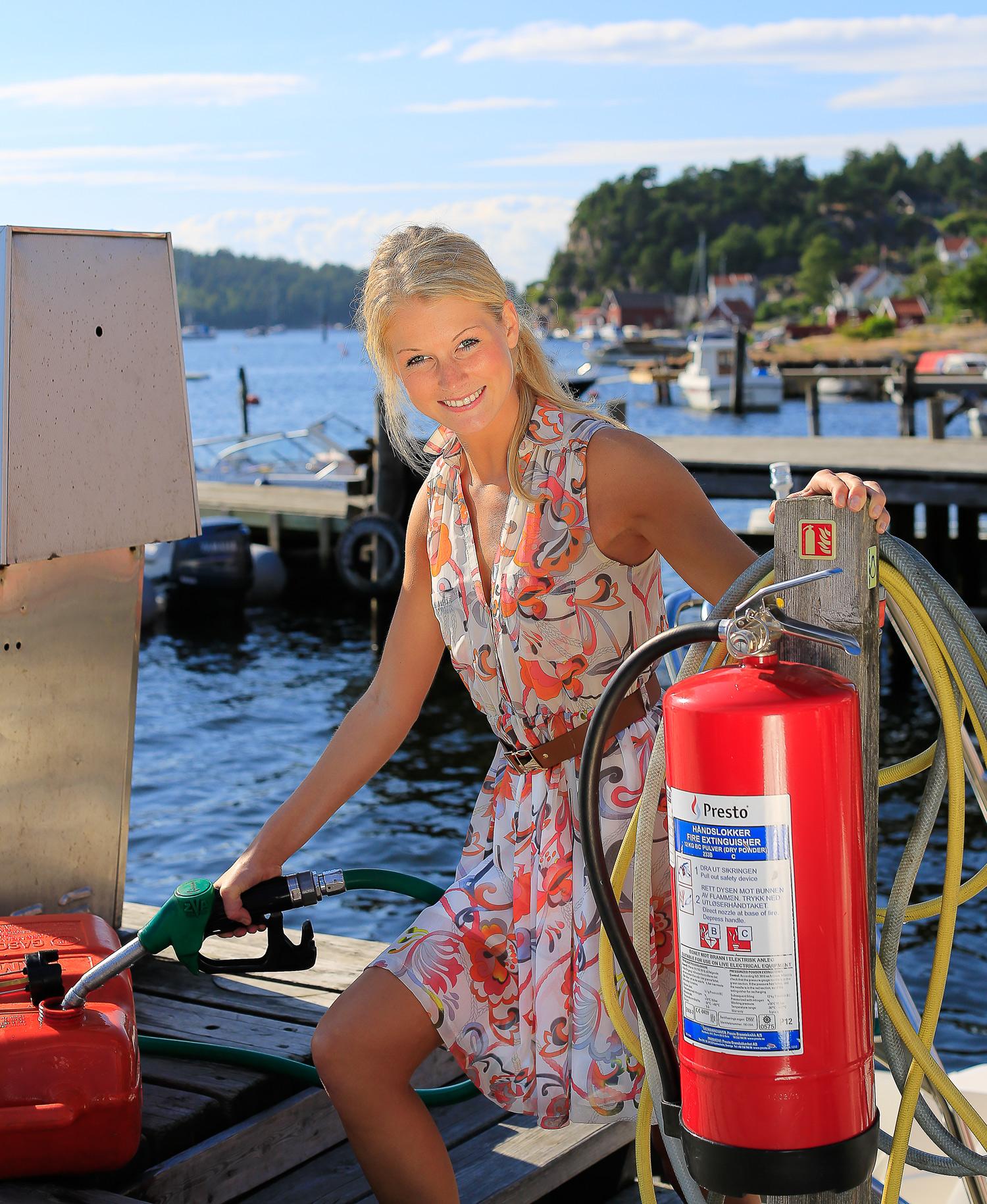 Marina<strong>Drivstoff og kiosk.</strong>