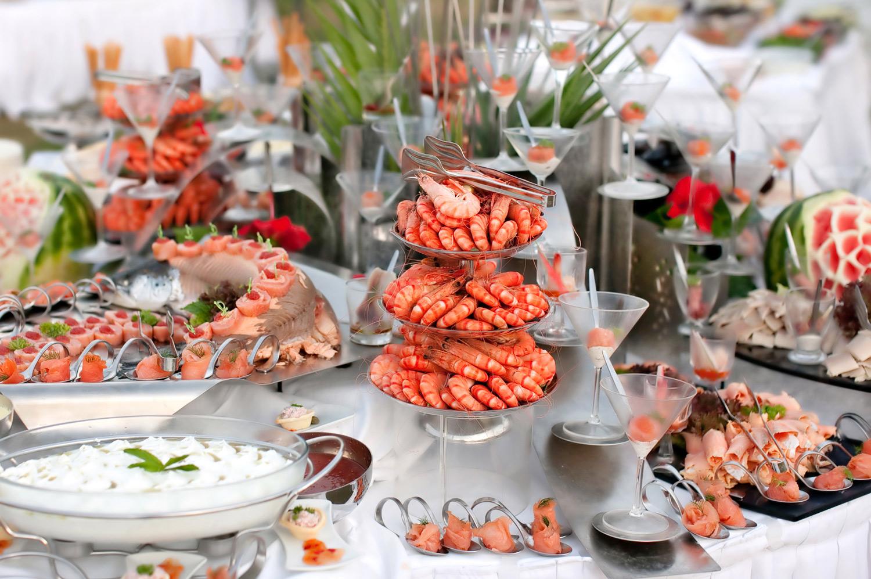 Middag<strong>Sjømatbuffet og dessert på en av Vestfolds beste restauranter.</strong>