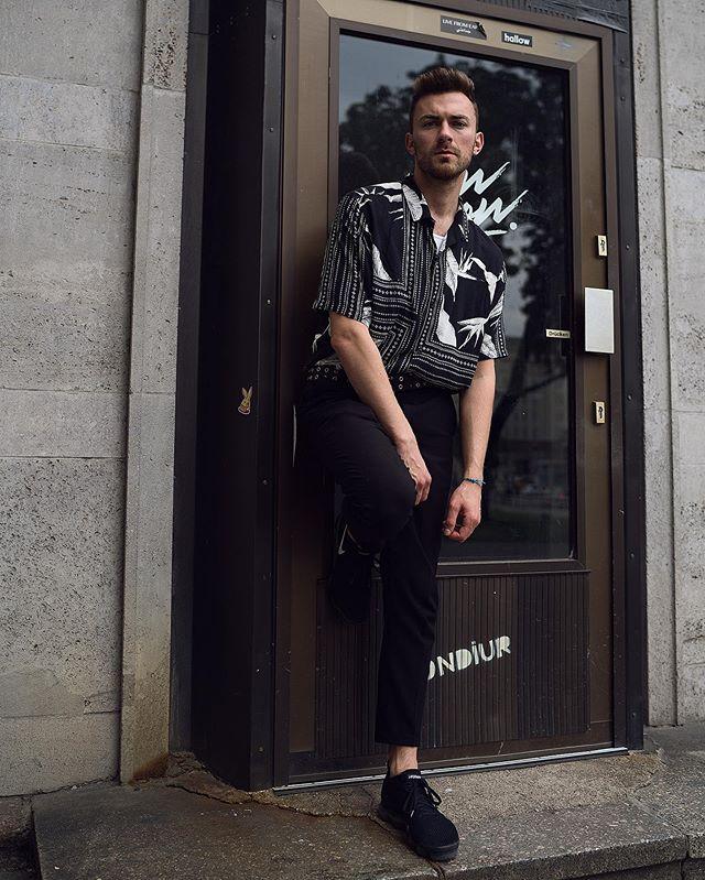 Stay calm it's Sunday 💤 ____ #luccalivesin #wmagazine #suitstyle #wlyg #fashionmagazine #hautecouture #harpersbazzar #lafashionweek #nyfw2019 #nyfw19 #ellemagazine #vogue #voguegermany #fotografa #wearthisnext #minimalfashion #promibb #fashionbaw #wearthis #outfitvideo #outfitinspiration #outfitdujour #inspiringoutfit #beaumonttx #shoutoutz #verified #hahadavi