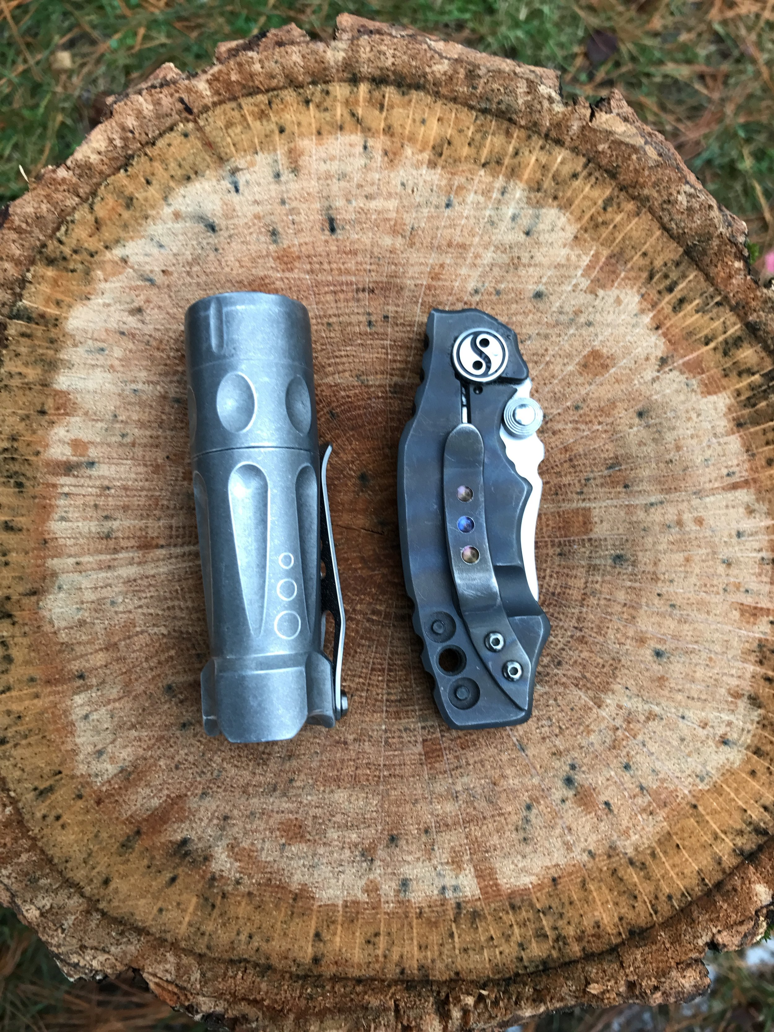 Torchlab BOSS 35 and the Yuna Knives EQ-1