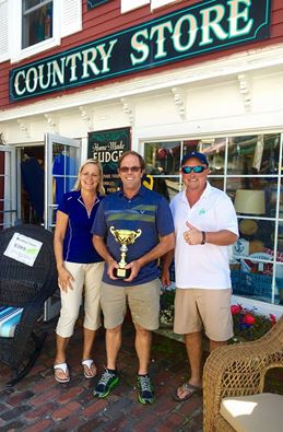 Eric Marden accepts 2016 trophy for team