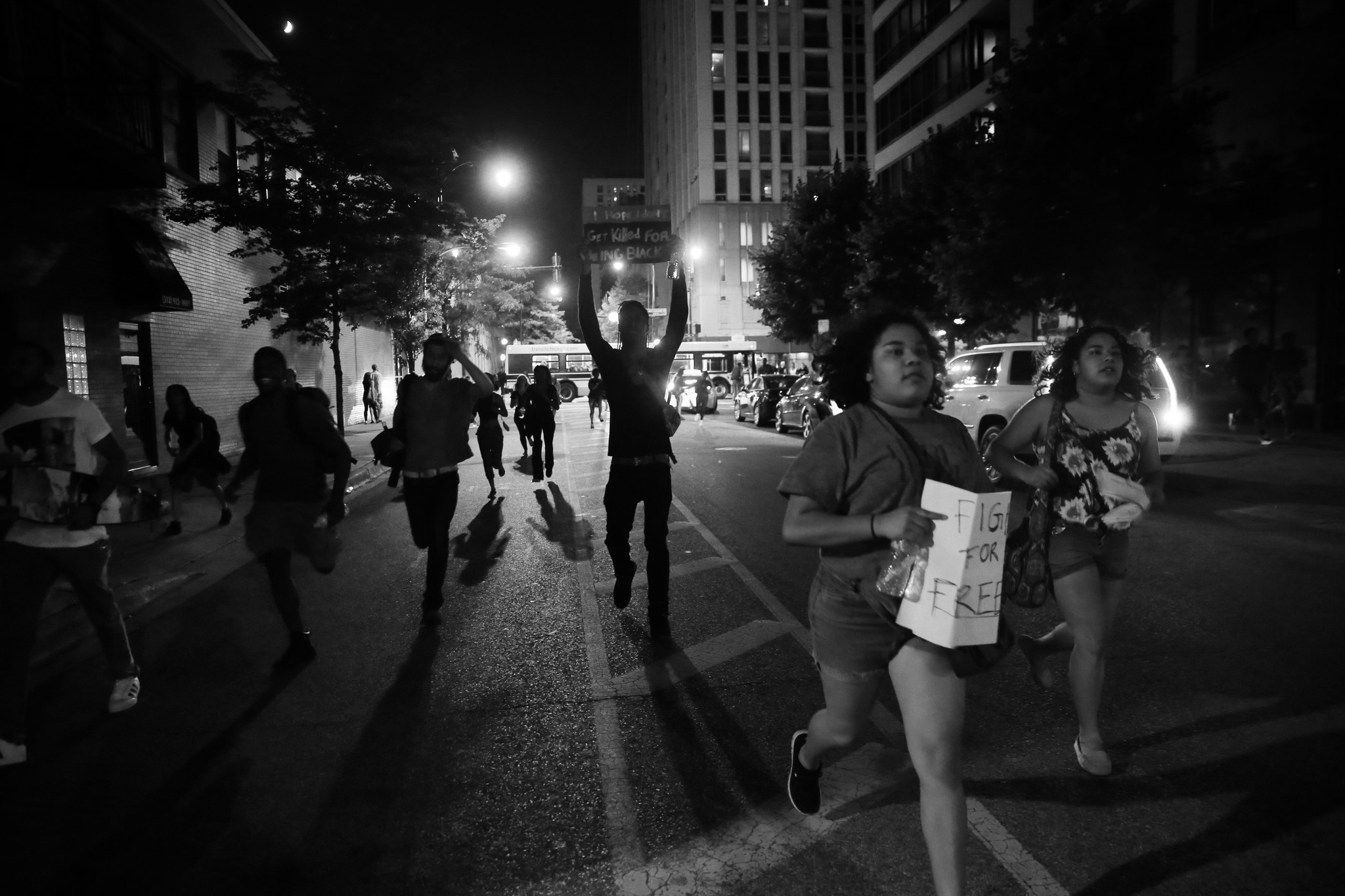 ct-chicago-police-protests-0710-20160709.jpg