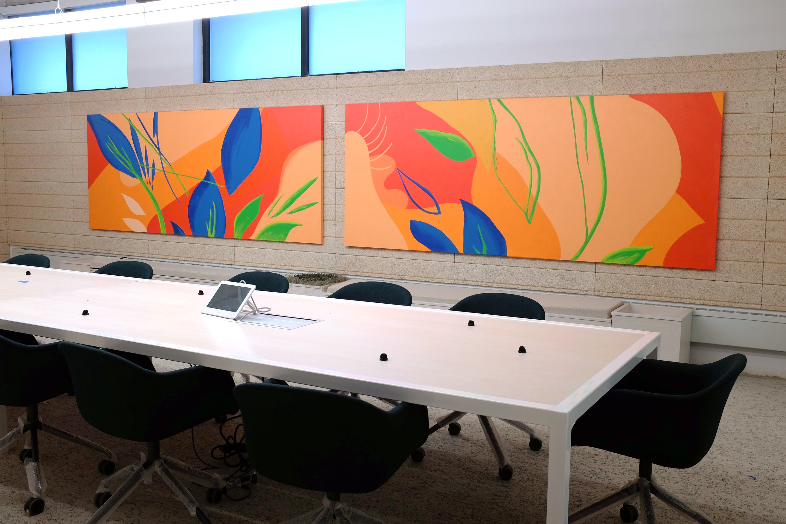 PHYSICAL INSTALLATIONS IN MEETING ROOM