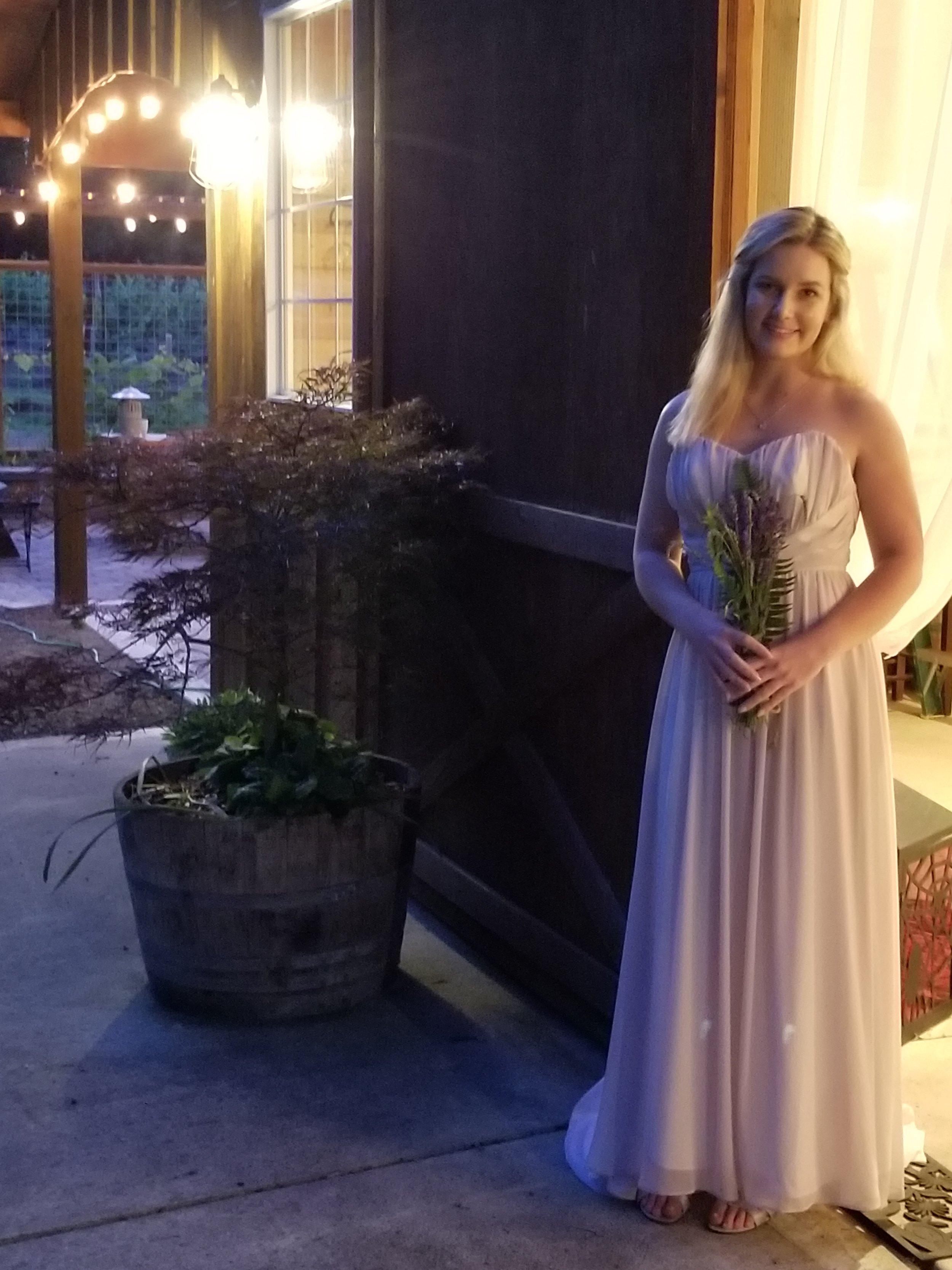 bride, wedding venue, barn