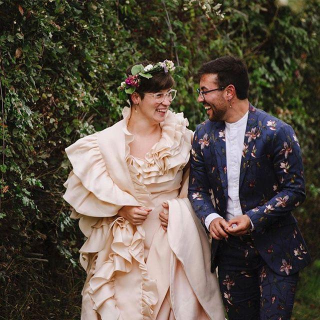 @jenleelight had a busy September! Jen had the honor of documenting 📷 seven, yes, seven(!) weddings last month! So much love spreading across the Olympic Peninsula 💕 // 📸 @jenleelight #weddingsacrossthesound #jenleelight #pnwwedding #porttownsend