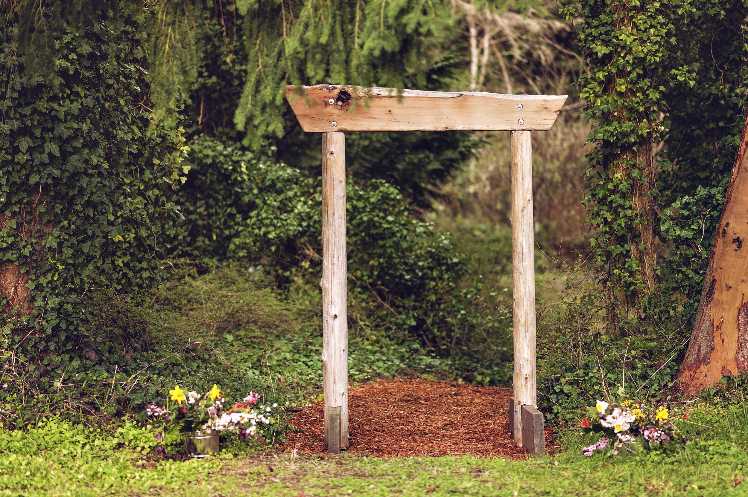 Eaglemount Wedding Archway.jpg