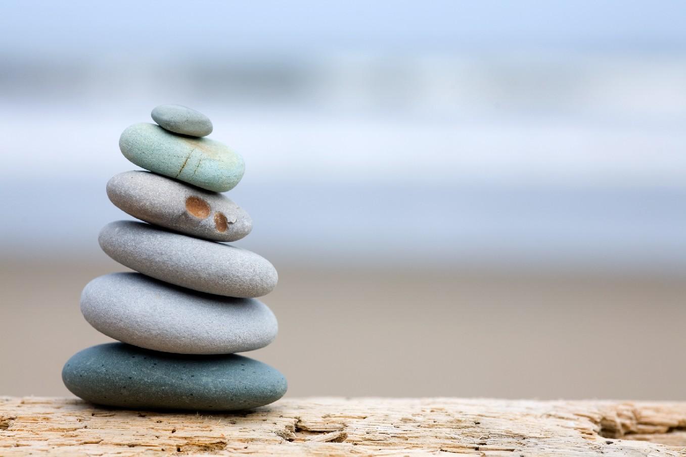 Balancing_rocks.jpg