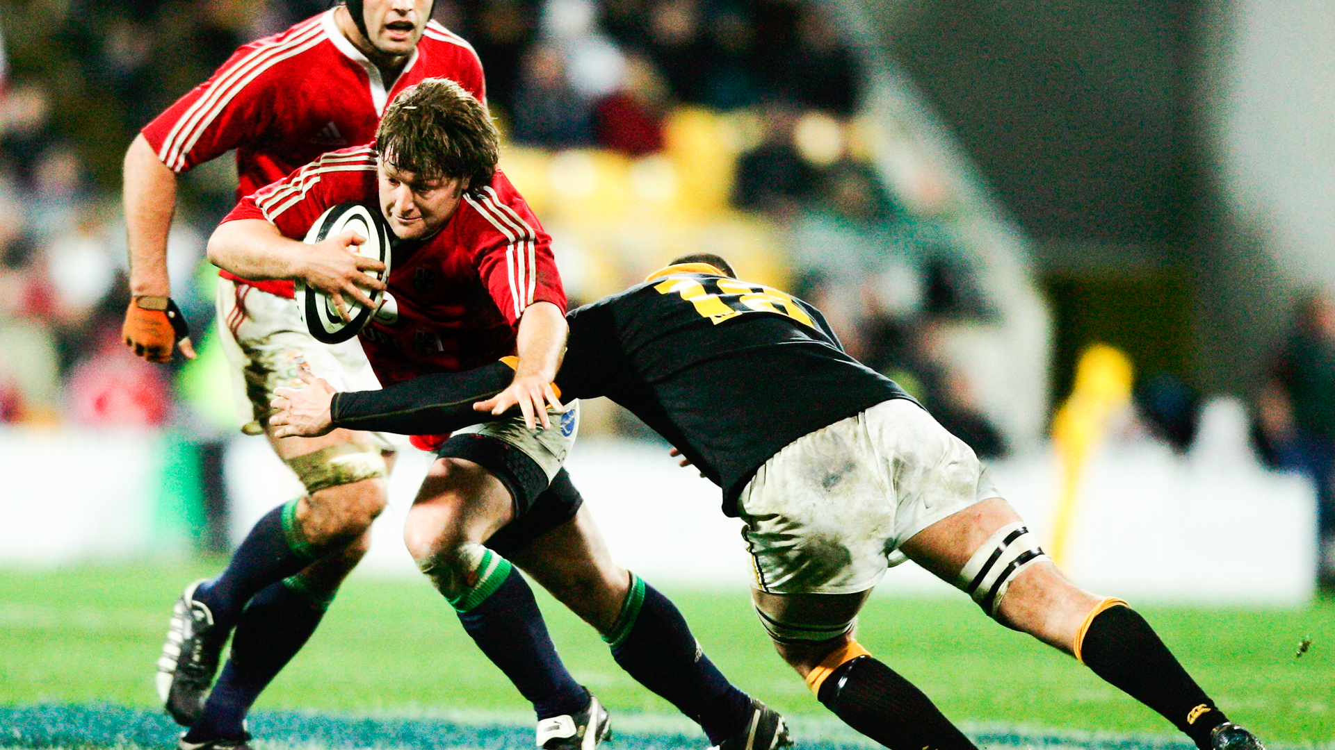 Shane Byrne in action at the 2005 Lions Tour to New Zealand.
