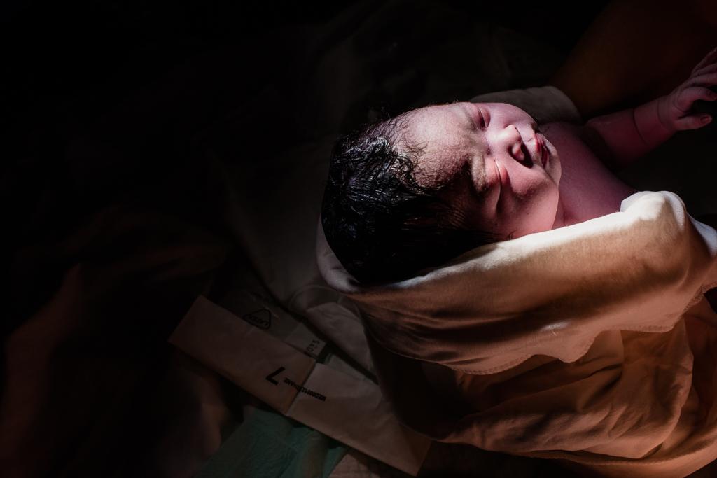 Lana-Photographs-Dubai-Birth-Photographer-14.jpg
