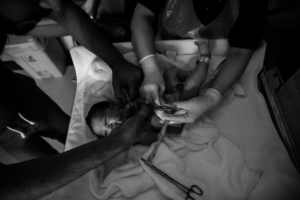 Lana-Photographs-Dubai-Birth-Photographer-30.jpg