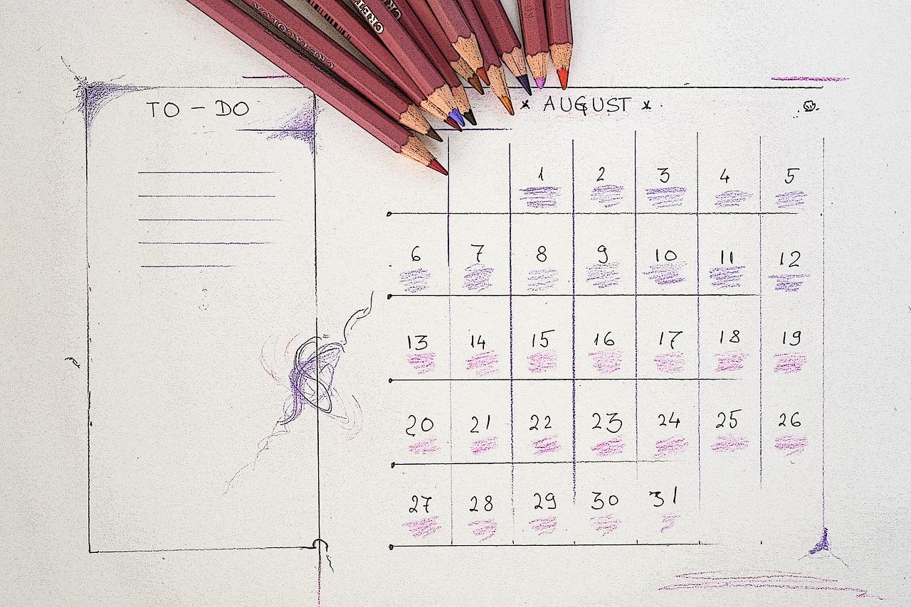 monthly calendar-august-3486022_1280.jpg