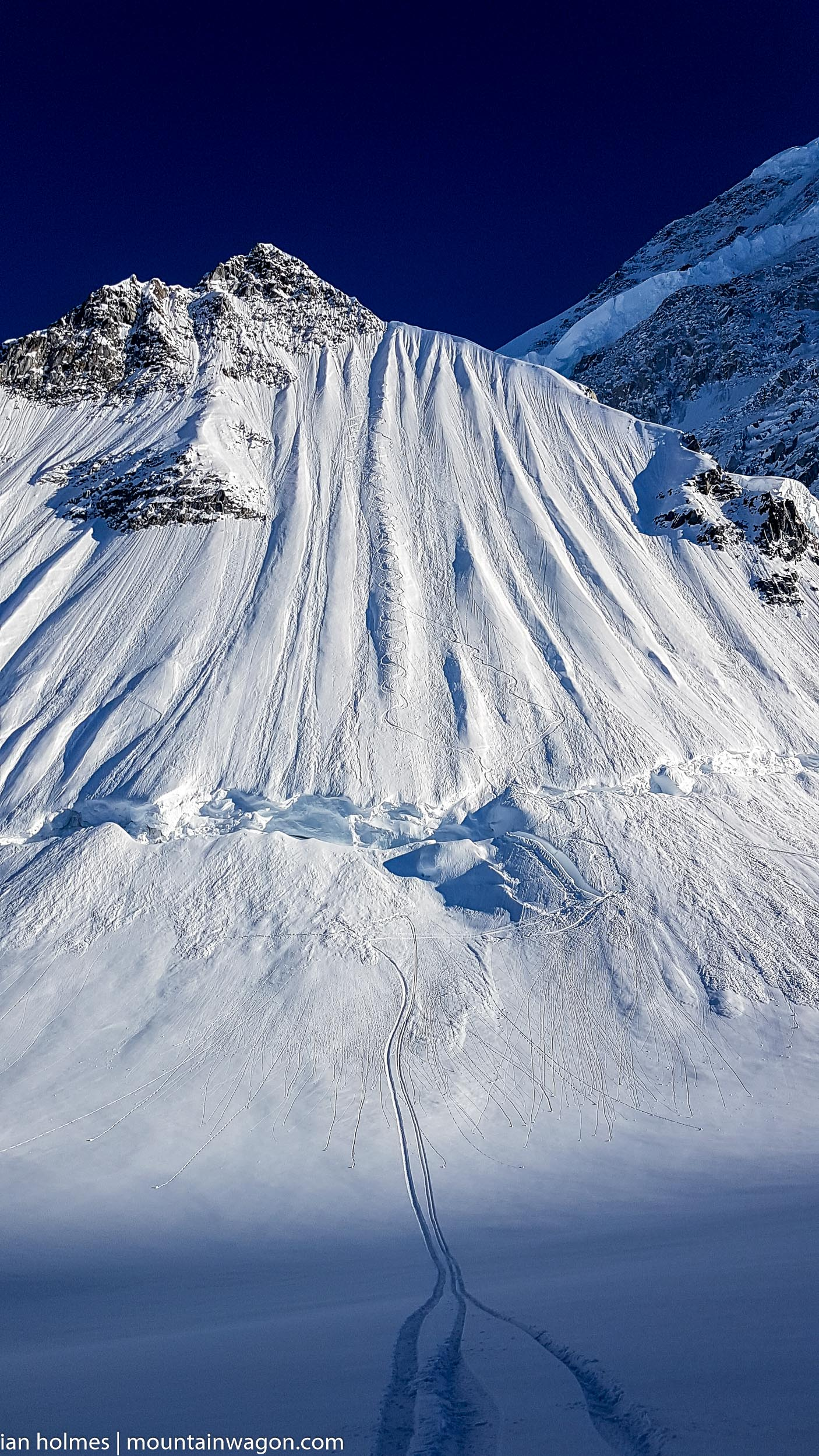 And they call that 'not riding it nicely' - looks like incredible turns to me...
