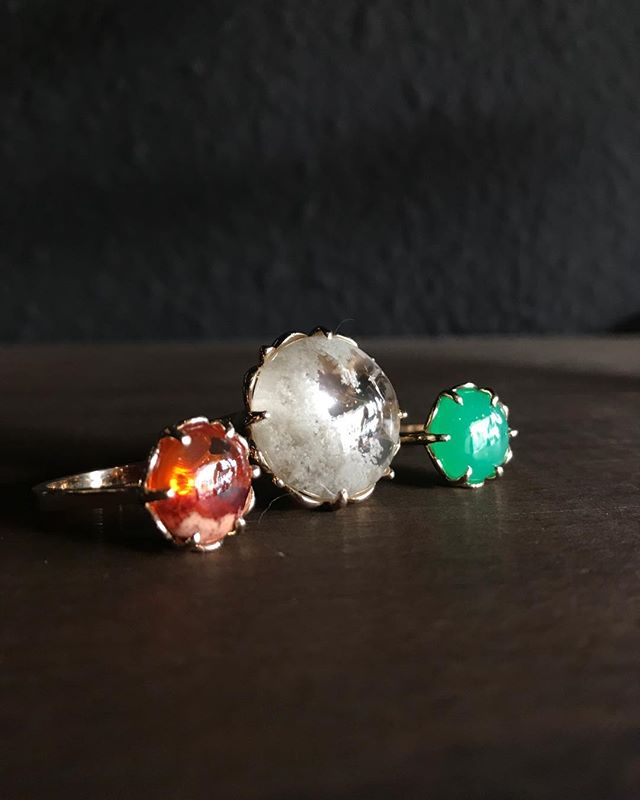 Hello LOVER!!! @fostermerritt $1540 and up. #MexicanFireOpal #idolite ,#Chrysoprase in #14k #viragogallery #finejewelry #handmade #womenmade #womenowned #westseattle #seattlejeweley #ariesseason #aries♈