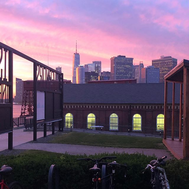 Wow. The sunset from @governorsisland last night was one for the books! If you haven't been yet, get there now! #seeyourcity #governorsisland #nyc #explore #explorenyc #travel #traveler #iloveny #local #likealocal #ilovenyc #shop #sightseeing #traveling #tourism #explorelocal #likealocaltours