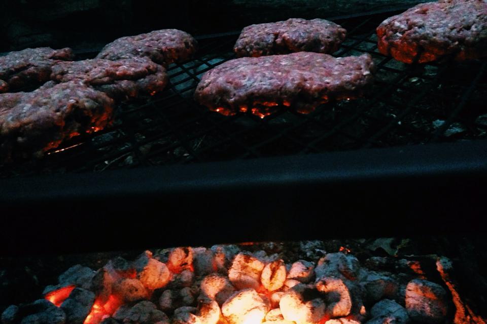 dinner-river-week-burgers.jpg