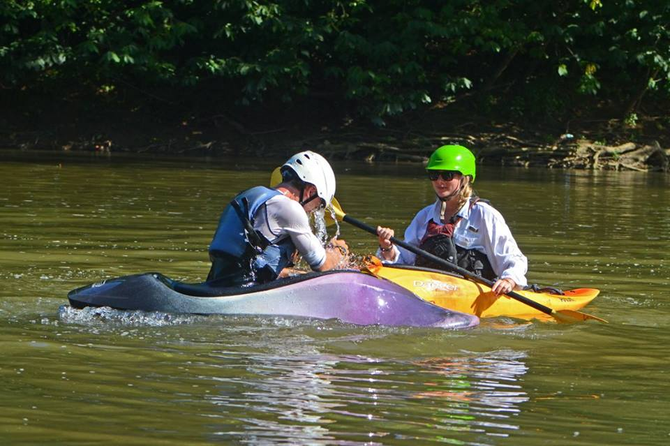 karen-teaching-rolls-adv-kayak.jpg