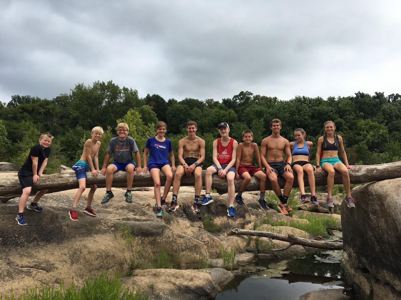trail-run-group.JPG
