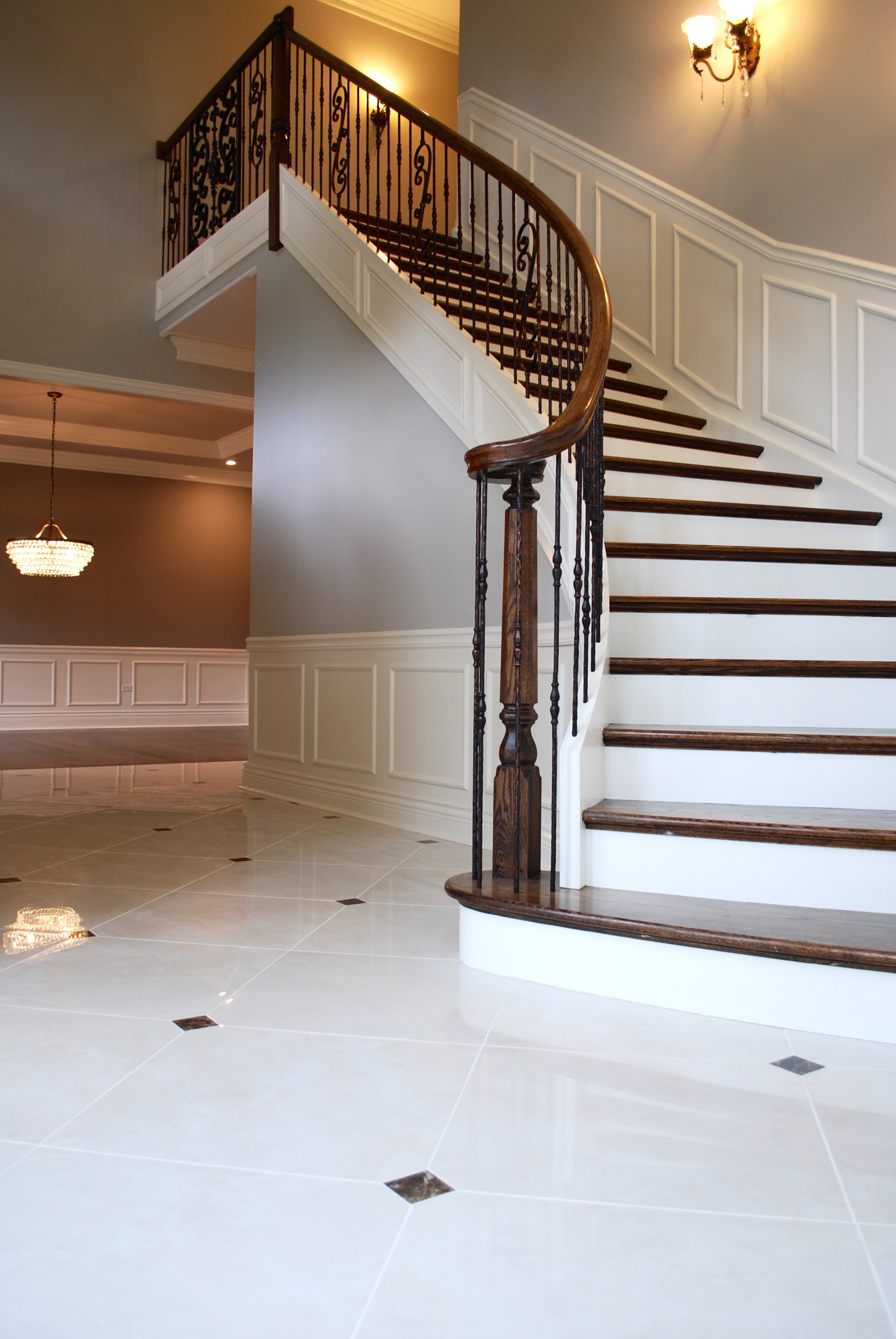 Curved Foyer Staircase in Naperville IL
