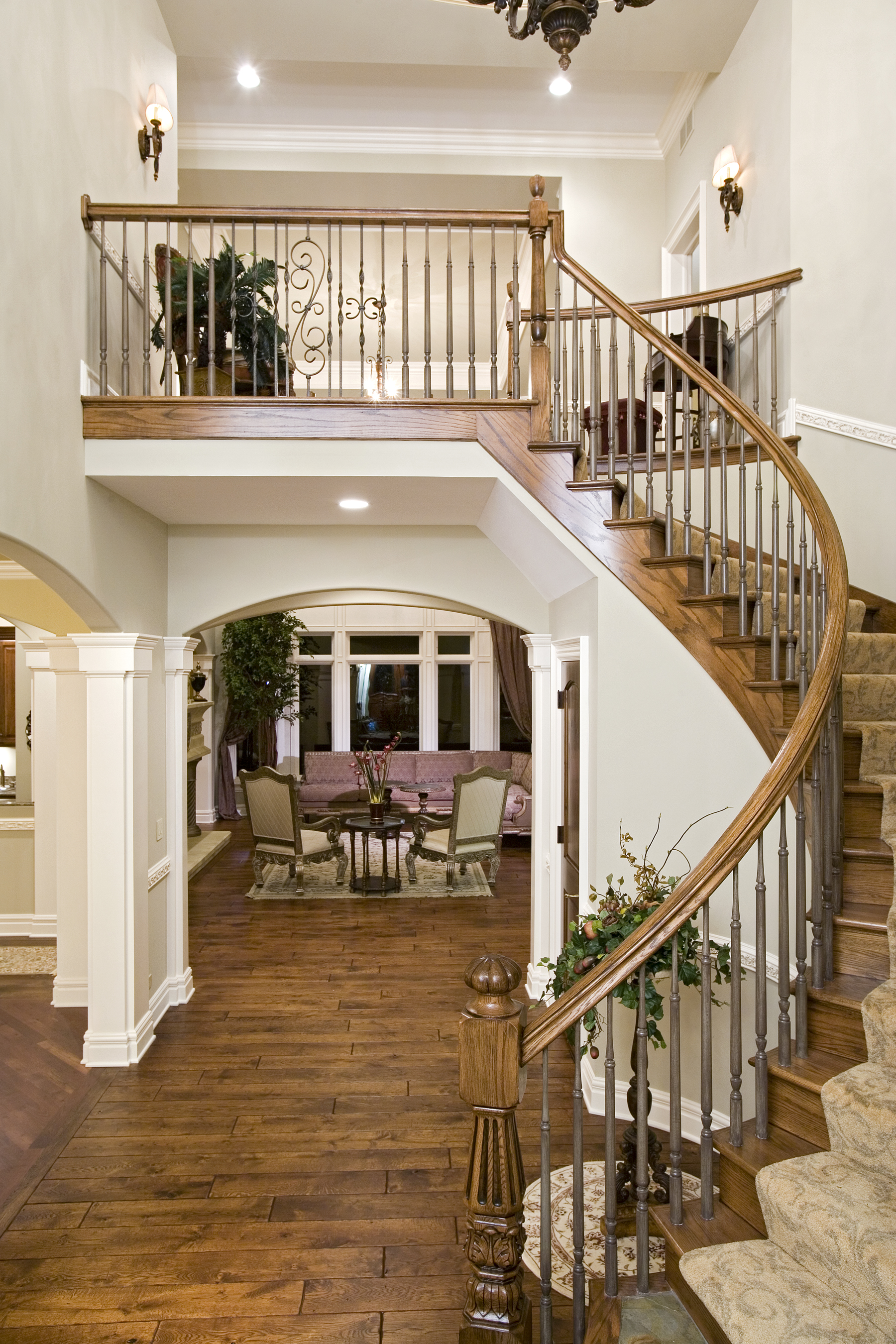 Curved Entry Foyer