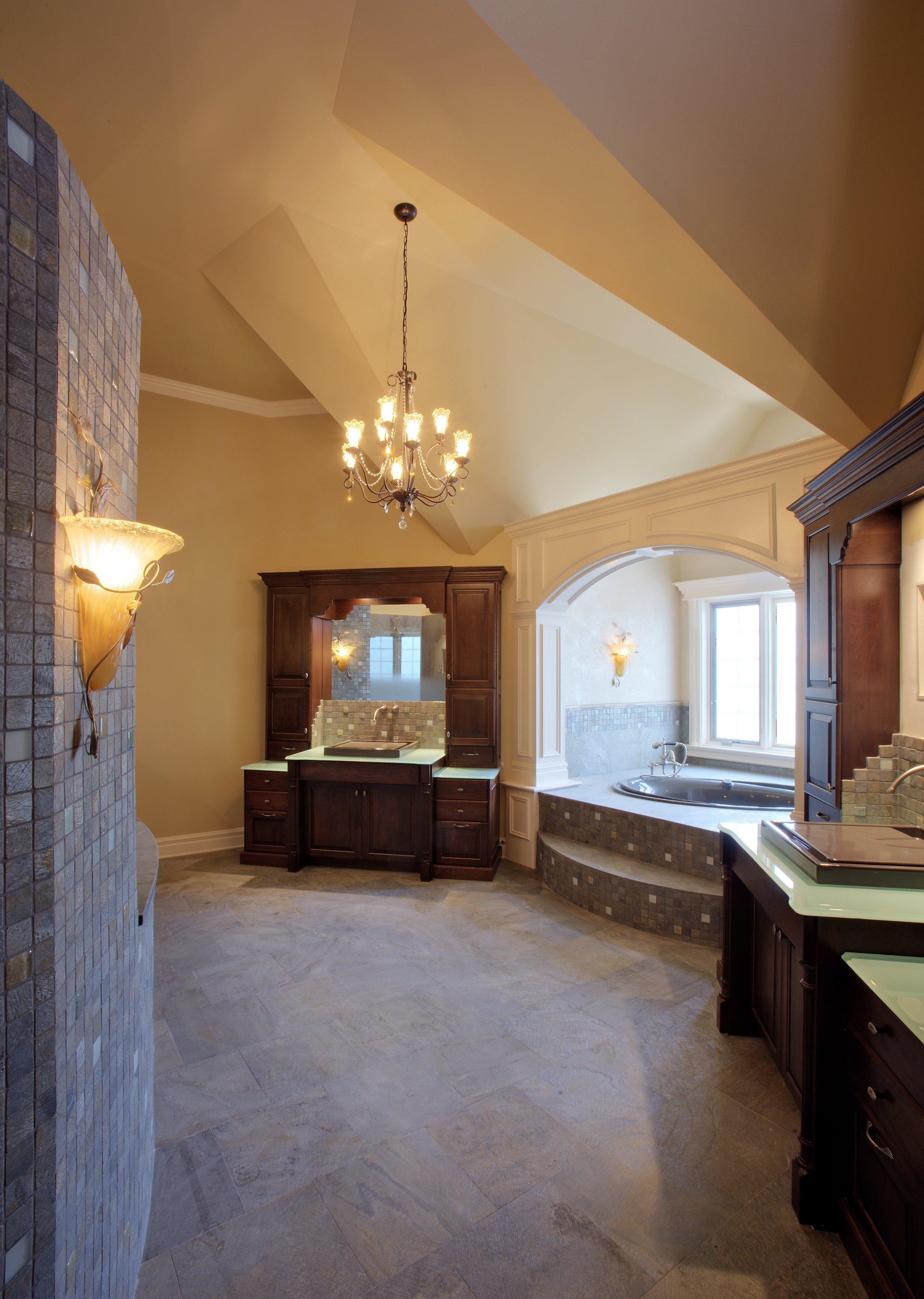 TRANSITIONAL BATHROOM DESIGN IN GENEVA IL