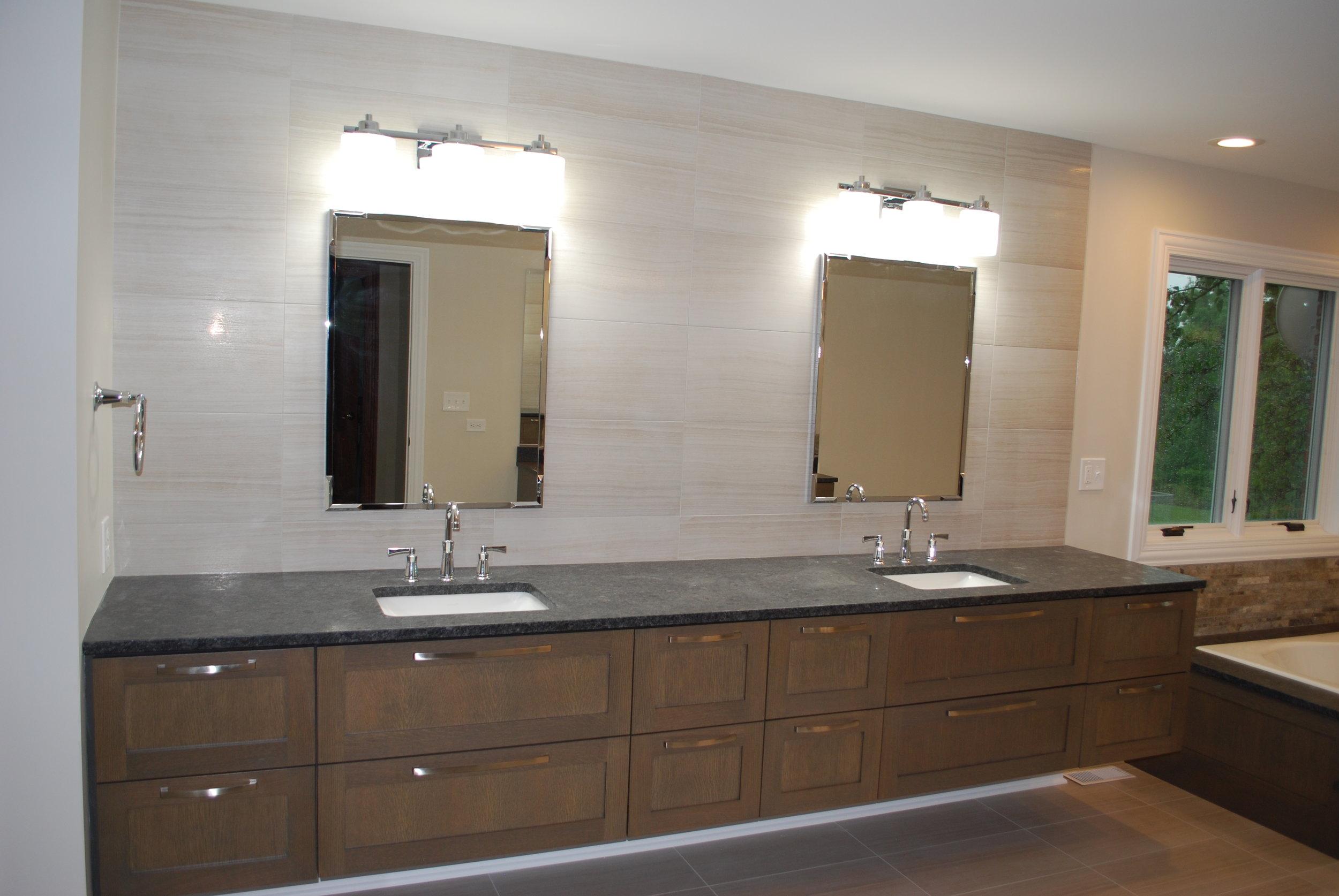 TRANSITIONAL BATHROOM UPDATING IN GENEVA IL