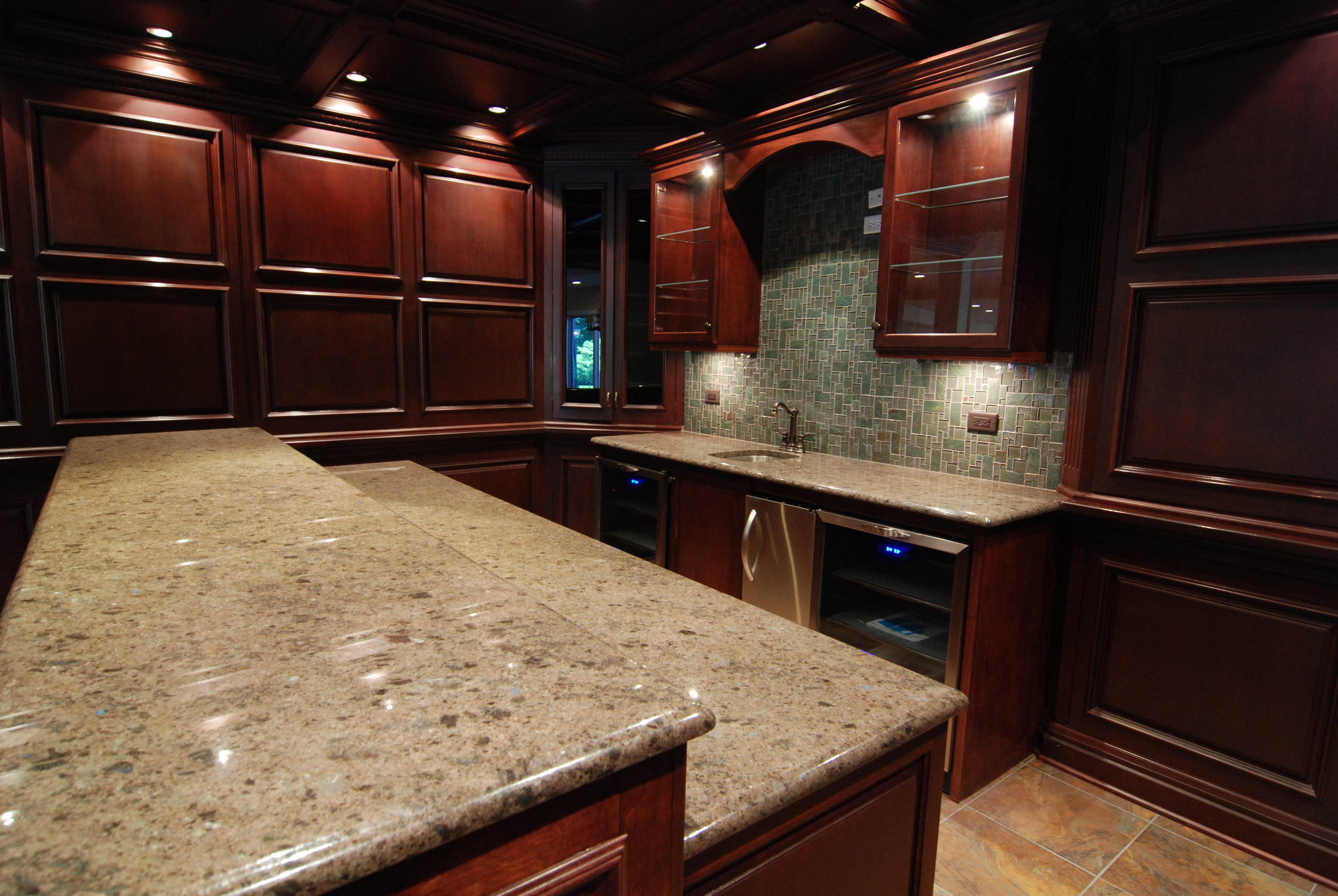 Naperville Basement Custom Bar & Kitchens. Finished Basement in Naperville IL. Basement Remodeling