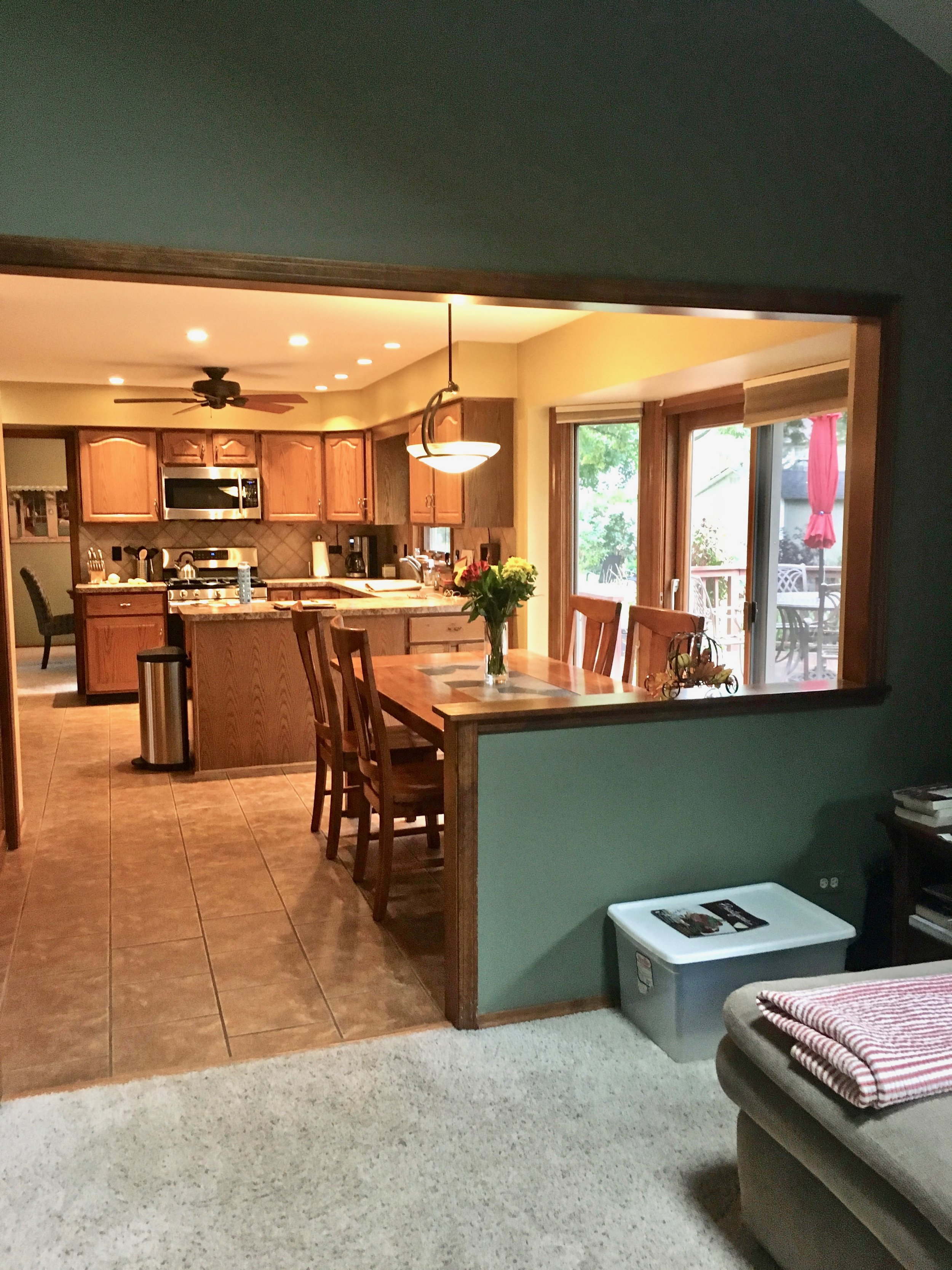 BEFORE PHOTO OF NAPERVILLE ILLINOIS CUSTOM HOME WITH HALF WALL BETWEEN KITCHEN & FAMILY ROOM