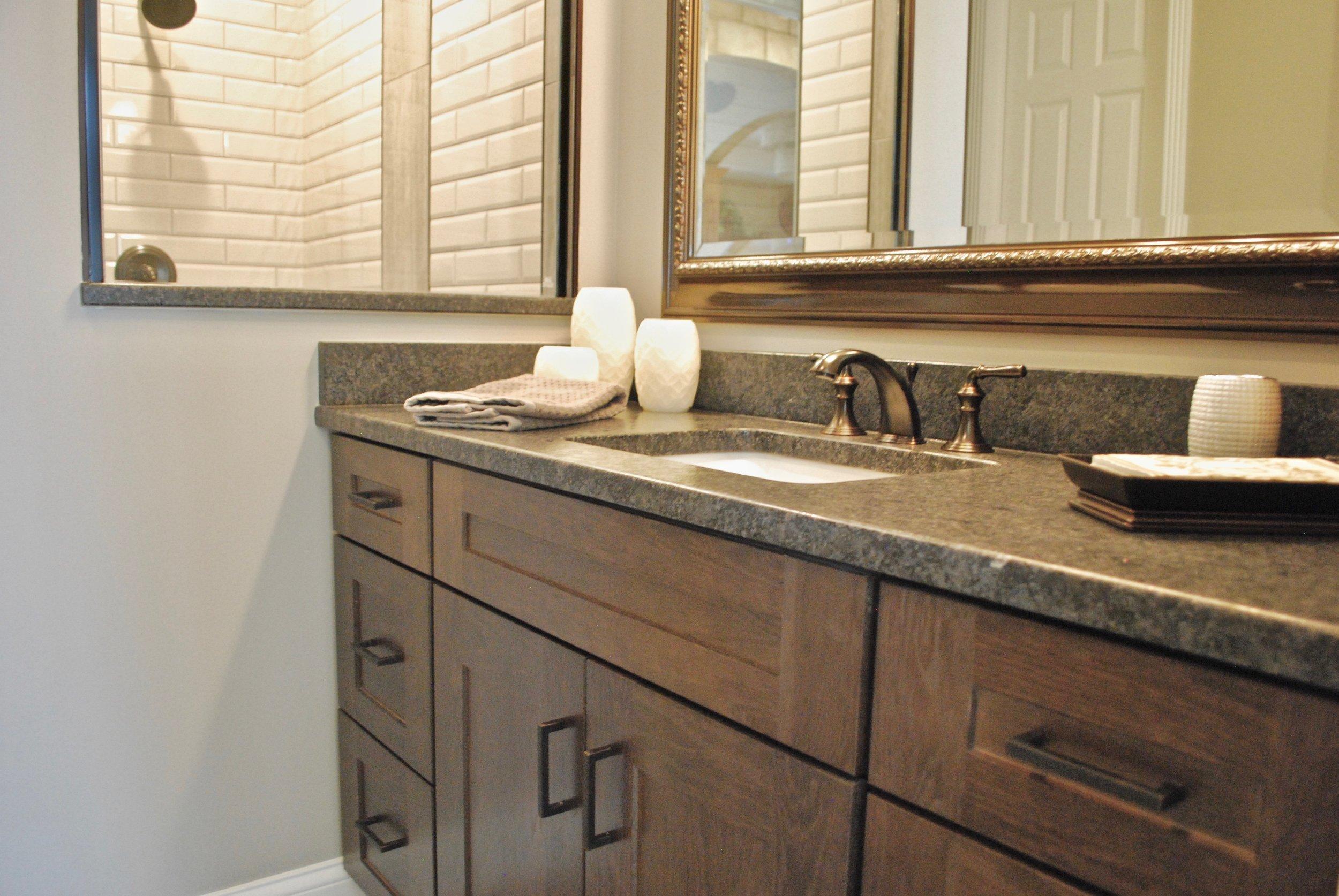 Custom bathroom vanities in Illinois.