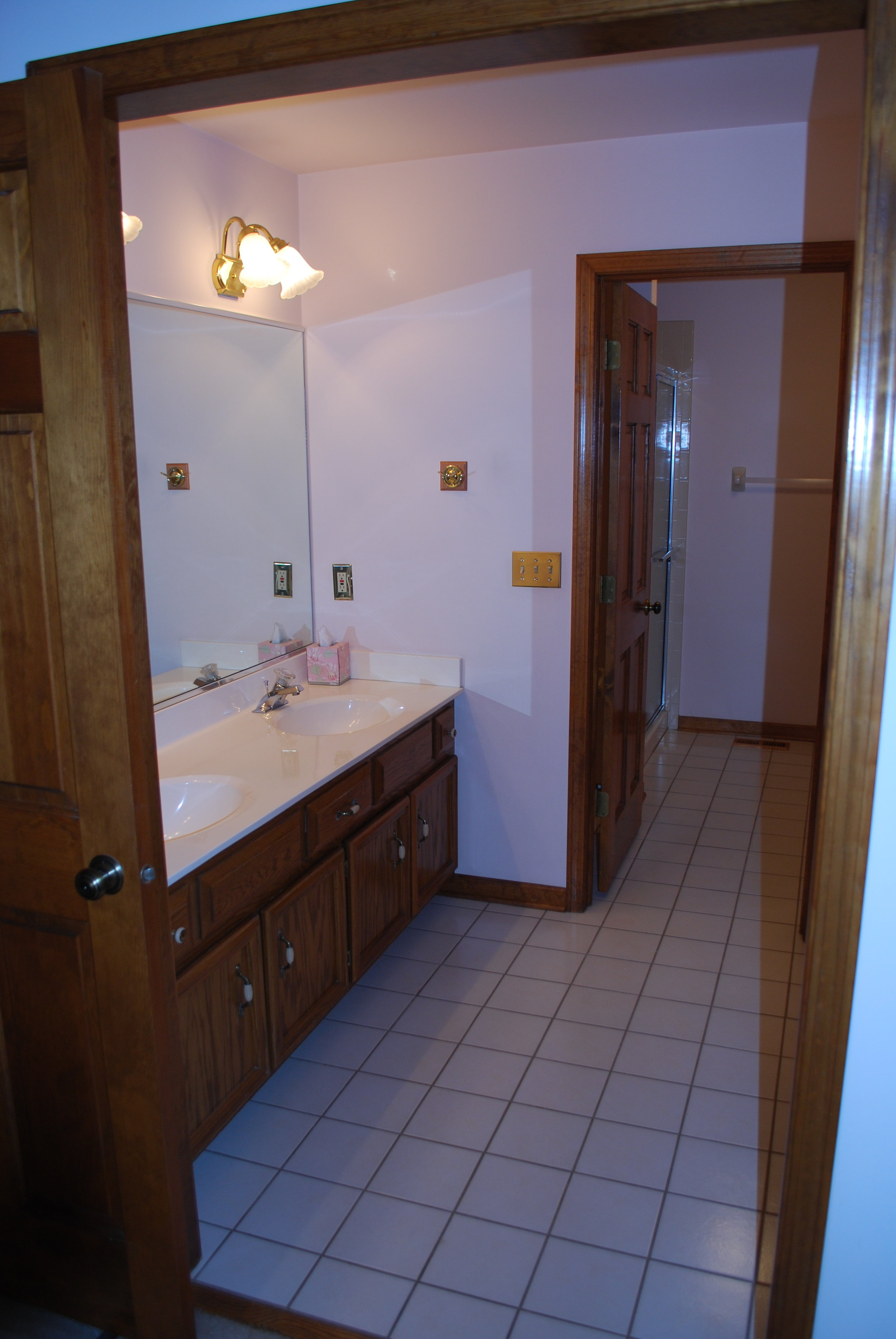 This Outdated Naperville IL Townhome Bathroom was in Need of Some Updating Before the Owner Listed the Unit for Sale with a Realtor. We Inspected the Home & Made All Repairs Before the Unit Was Listed.