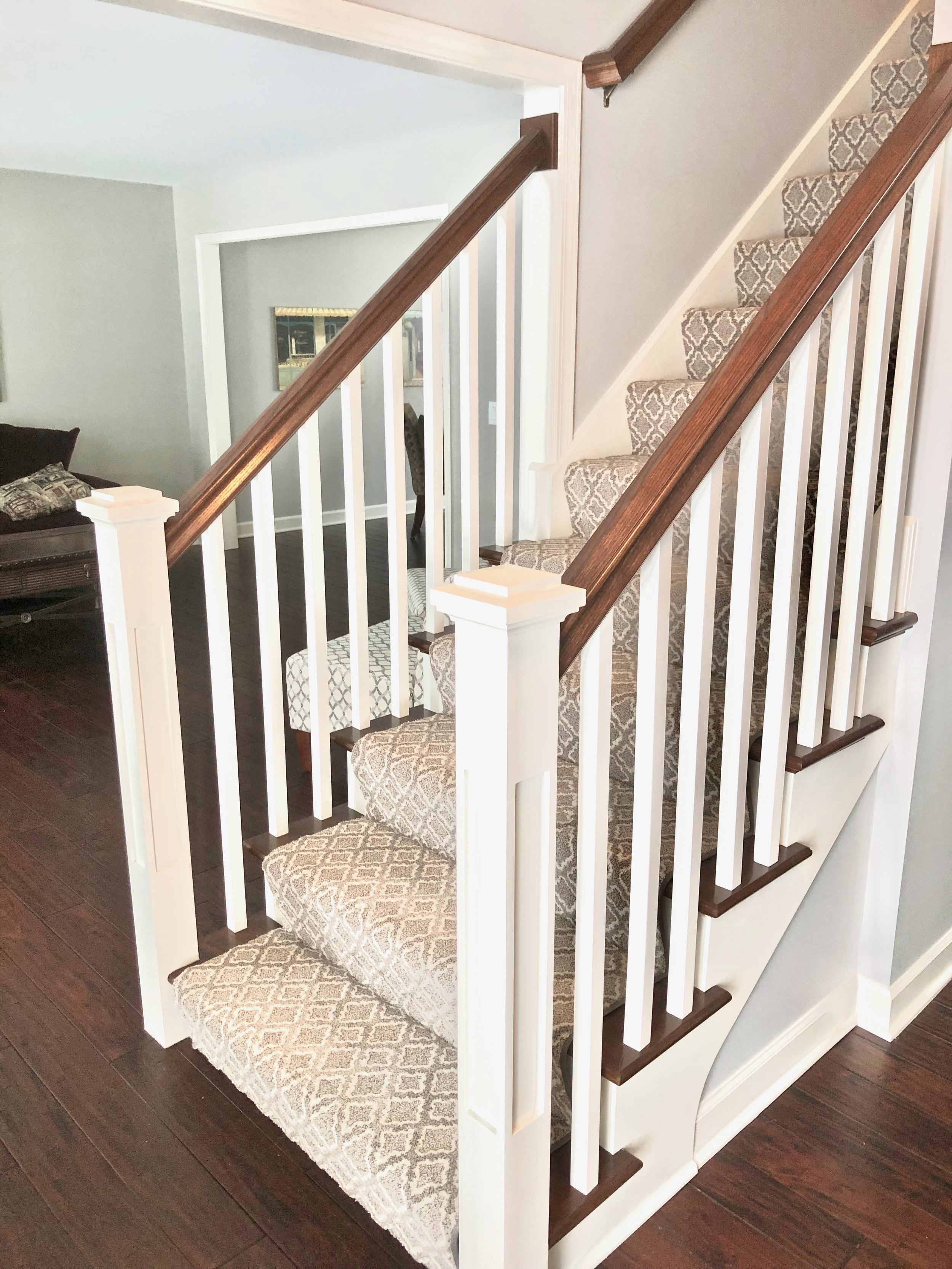 FOYER STAIRCASE REMODELING & UPDATING IN HOME REMODELS AND RENOVATIONS. UPDATE AND REPALCE YOUR FOYER STAIR CASE WITH NEW WHITE SQUARE SPINDLES AND DARKER STAINED HAND RAILS AND STAIR TREADS. SQUARE STARING NEWELS. LOCATED IN GENEVA IL. SOUTHAMPTON SERVICES NAPERVILLE, GLEN ELLYN, BARRINGTON, ELMHURST, ST. CHARLES & BATAVIA. MANY MORE NORTHERN ILLINOIS TOWNS ALSO SERVICED!