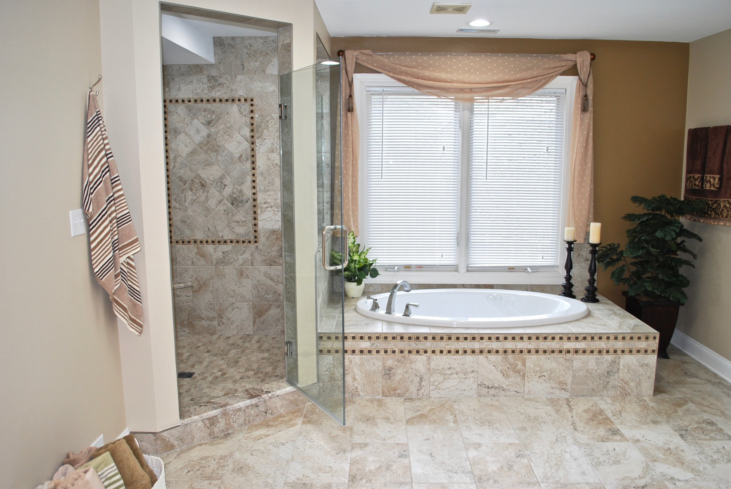 Shower & Tub Remodel in this Geneva IL. Custom Home in Eagle Brook Subdivision.