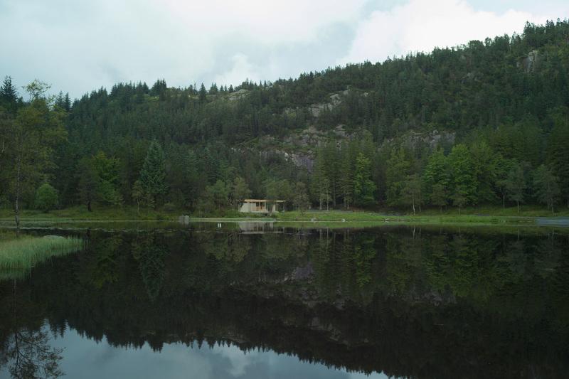 varmestue-from-lake_800.jpg