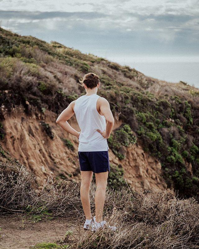 @rhone • • • #wheninrhone #foreverforward #training #running #run #runningmotivation #runner #trailrunning #bigsur #mensfashion #activewear
