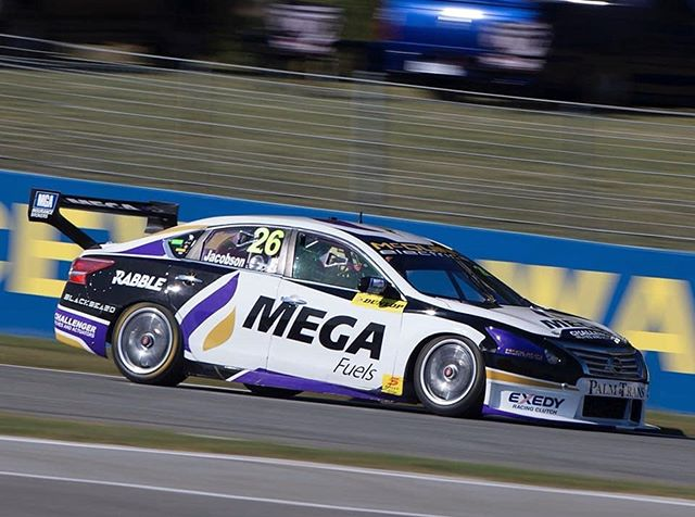 Gary Jacobson putting in a sizzling lap out west in Perth.  #garyjacobsonmotorsports #super2series #manbrands