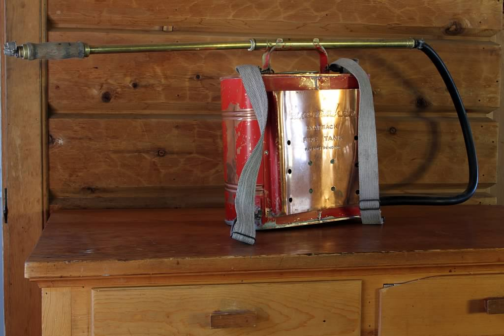 Schilling-lodge-txc-lake-tahoe-rubicon-paradise-flat-interior-antique-fire-extinguisher-back.jpeg