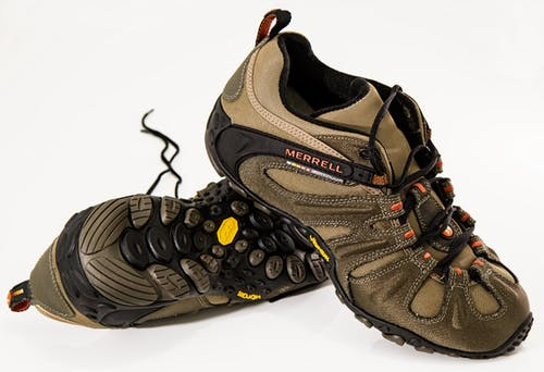 shoes-footwear-hiking-shoes-walking-40662.jpg