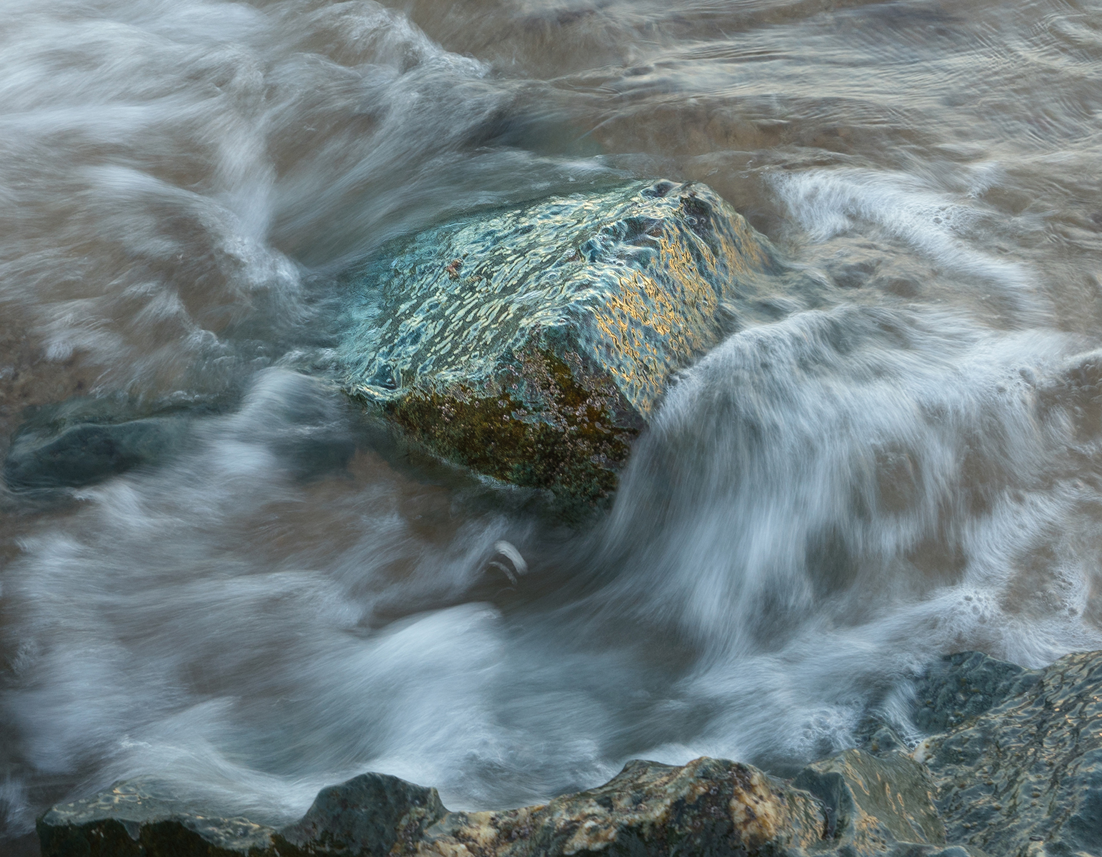 Surging With The Tide by Peter Simmonds