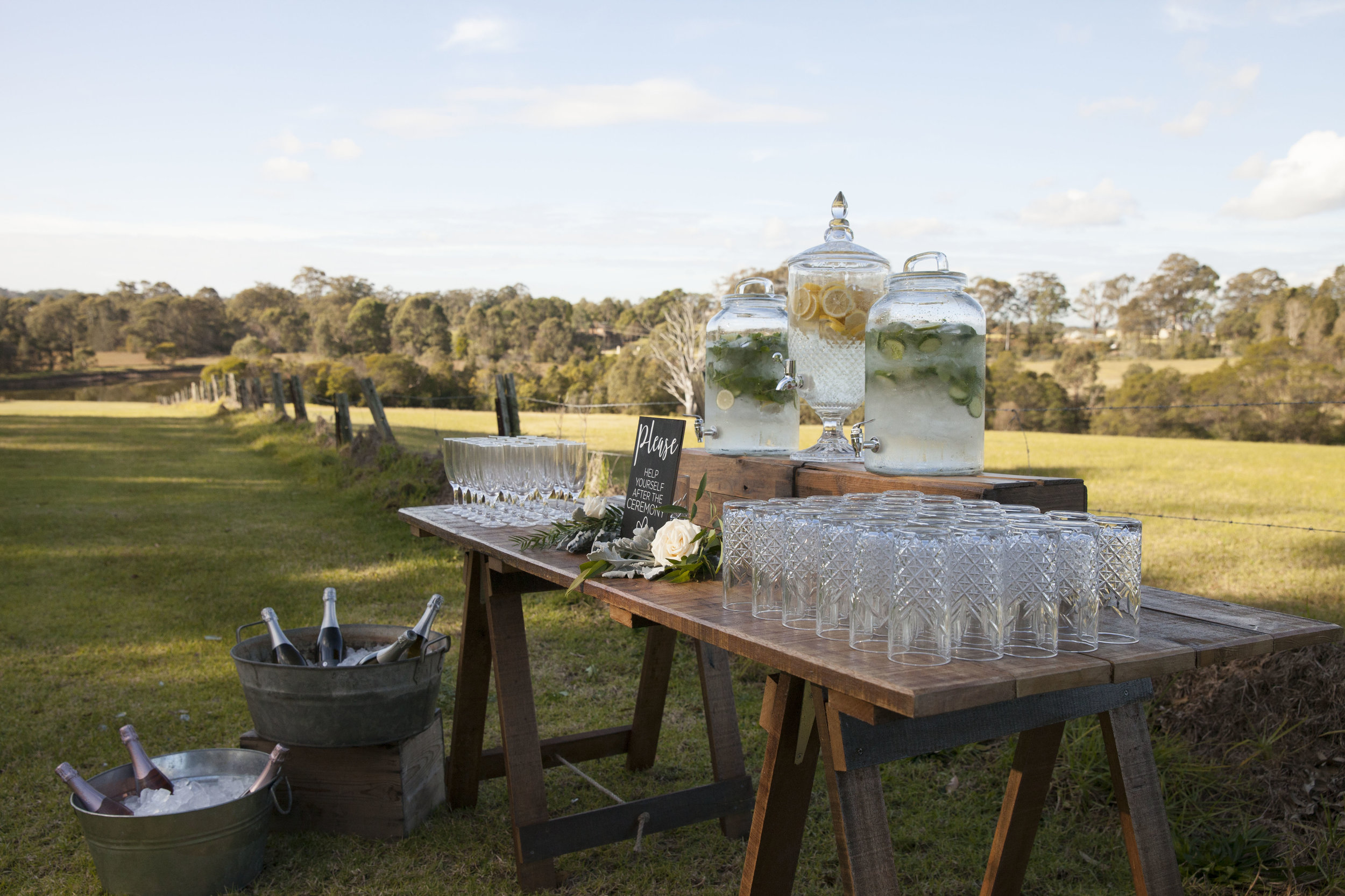 DRINK STATIONS -