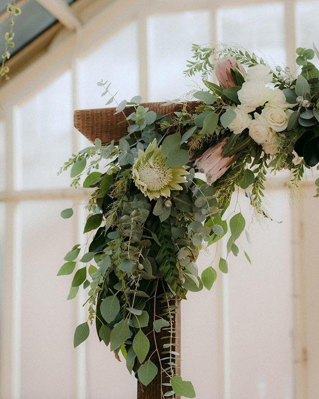 The finer florals details. 🍃