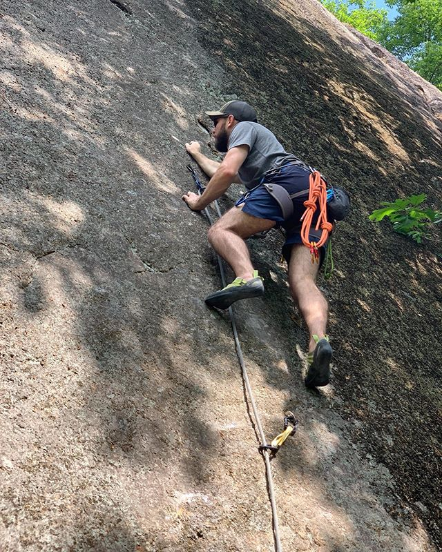 Ever since I bought the guide book, I've been looking forward to climbing back in New Hampshire.  Even got to witness my dad's first send 🧗🏻♂️
